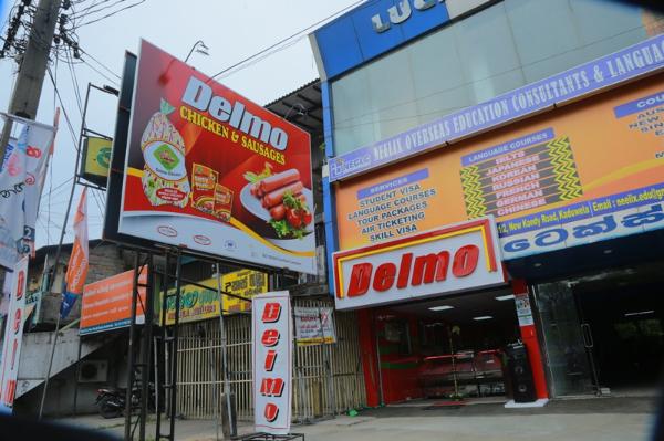 Delmo Chicken - Outlets